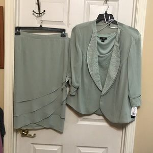 Le Bos  3 piece outfit. Size 20W